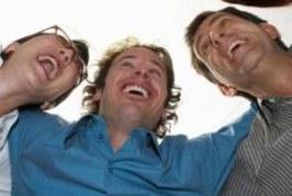Se buscan voluntarios sin trabajo para sonreír