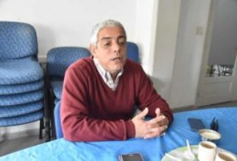 """Argentina: """"Estar en aulas sobrepobladas afecta la salud de los docentes"""""""