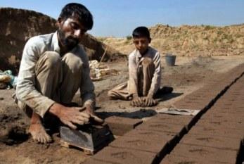 Brasil: La reforma laboral en Brasil significa regresar a los trabajadores a una esclavitud moderna